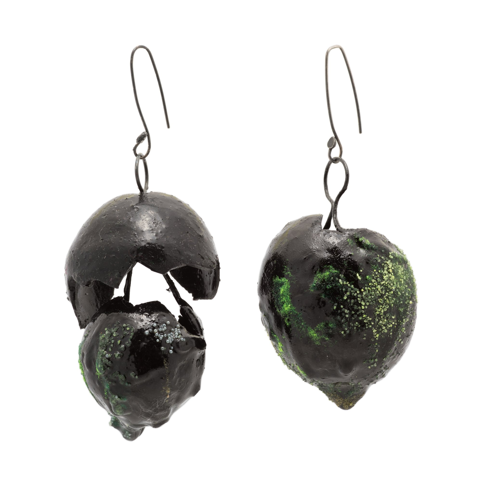 black-earrings-with-silicone-1