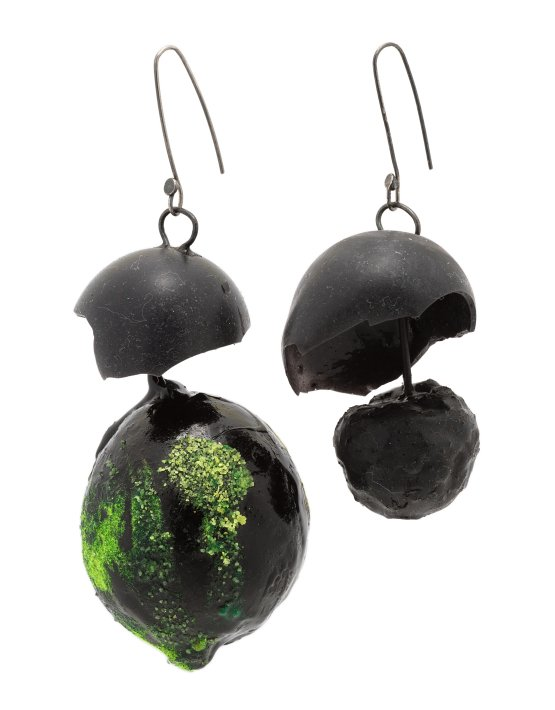 black-earrings-with-silicone-sphere-1