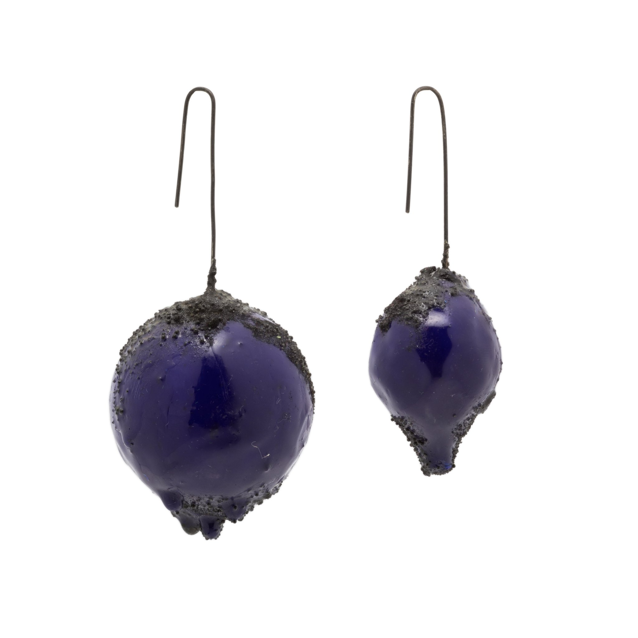 dark-blue-large-earrings-1