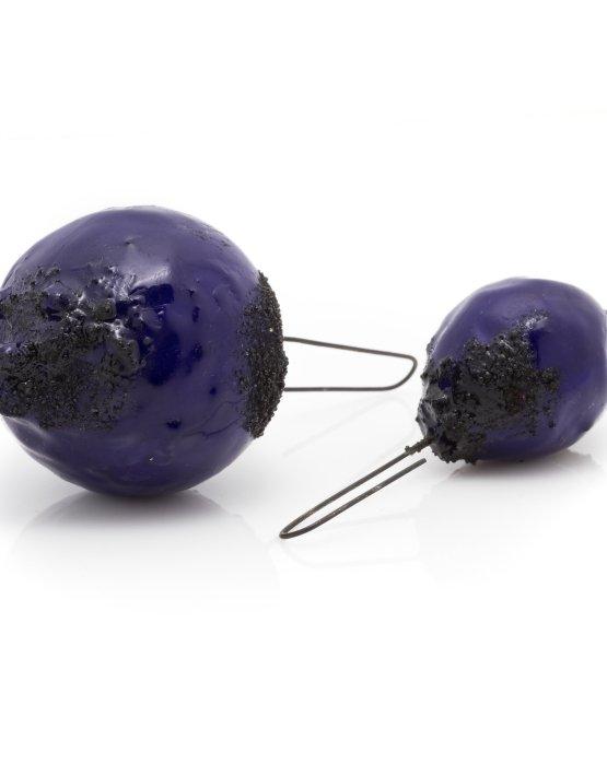 dark-blue-large-earrings-2