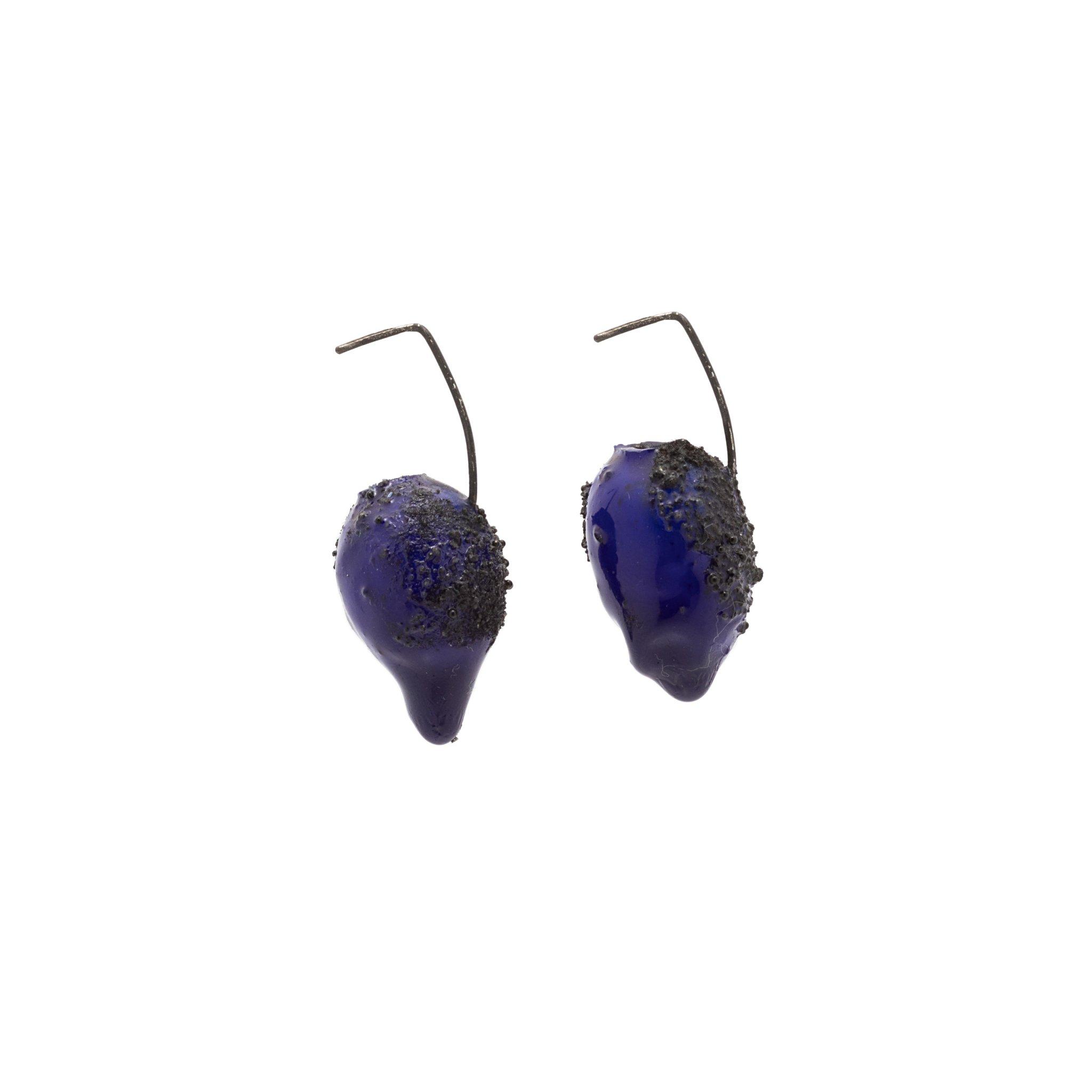 dark-blue-small-sized-earrings-1